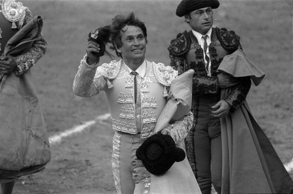1493030435 344926 1493030766 album normal - Muere el torero Palomo Linares