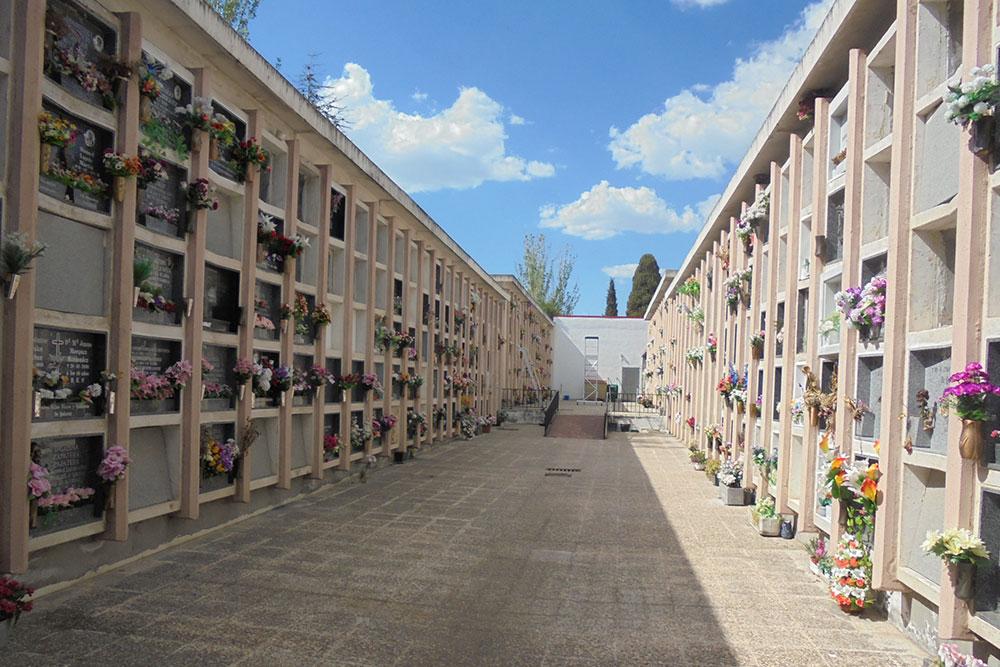 Cementerio de la Moraleja (Madrid)   91 790 00 90   Oficial   Parcesa